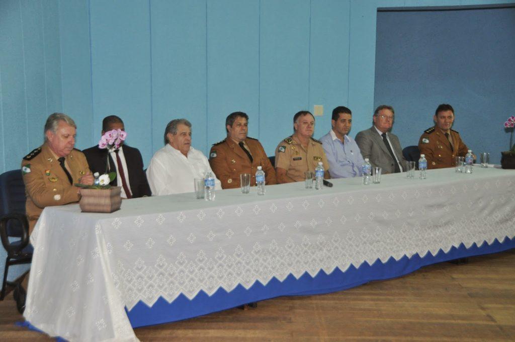 Cobra participa de troca de comando da PM em Rolândia