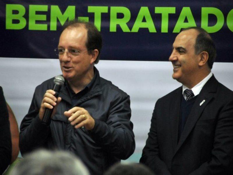 Ex-prefeito João Pavinato e presidente Mounir Chaowiche