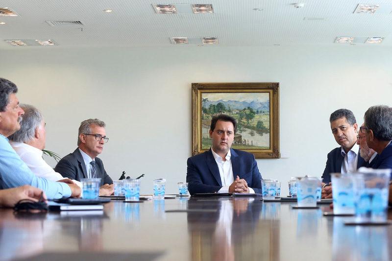Governador Carlos Massa Ratinho Júnior recebe lideranças de Londrina  -  Curitiba, 08/01/2019  -  Foto: Jaelson Lucas/ANPr